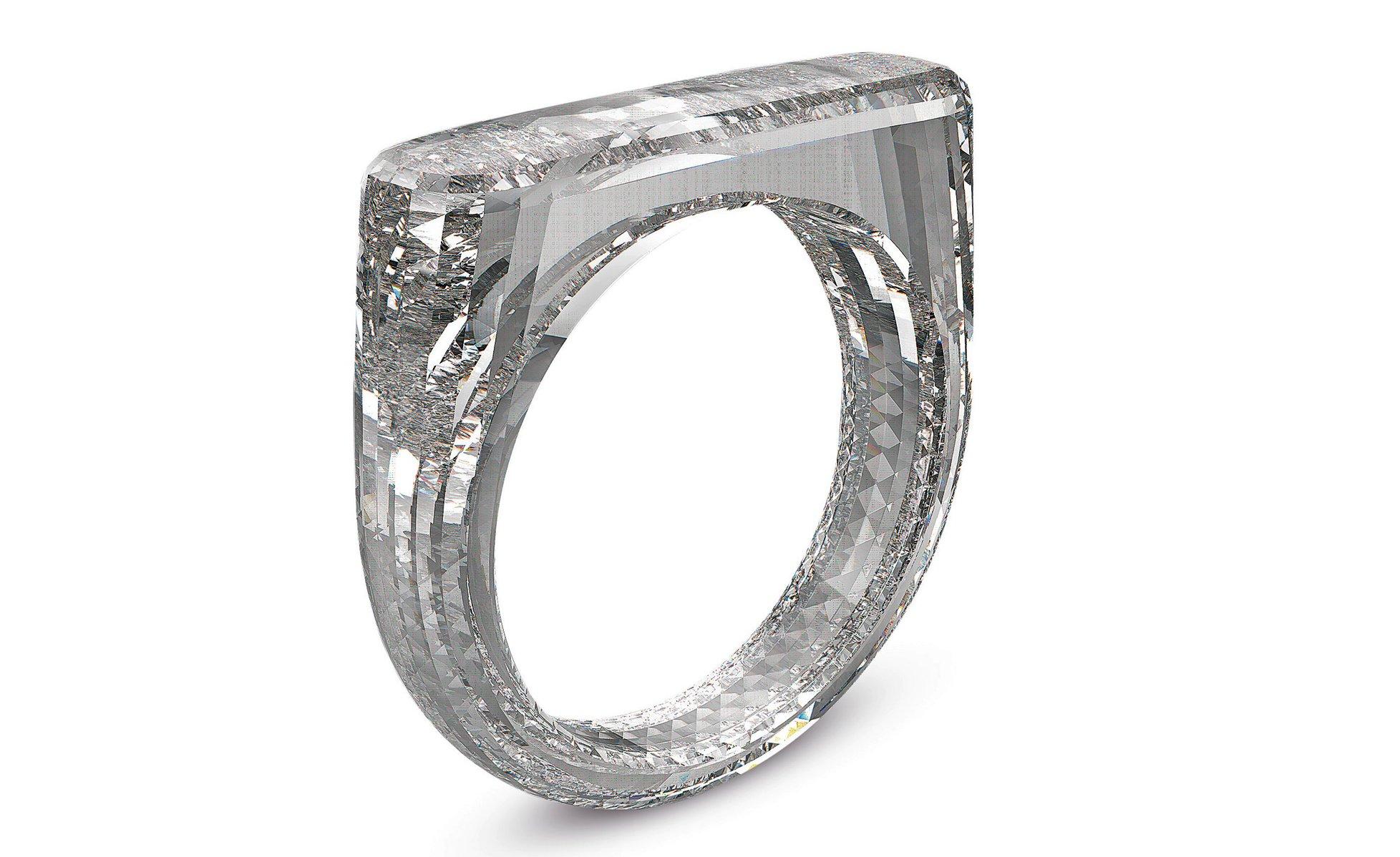 طراح ارشد اپل یک حلقه الماس 250 هزار دلاری ساخت (+عکس)