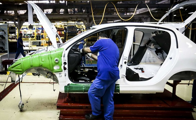 معاون وزیر صنعت:قیمت جدید خودروها تا اوایل هفته آینده اعلام می شود