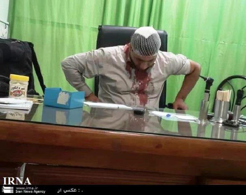 حمله به یکی از پزشکان در حال خدمت در مشهد (+عکس)/ ضارب متواری شده