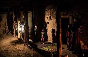 زندگی زیر نور آتش در دامنه زاگرس (+عکس)