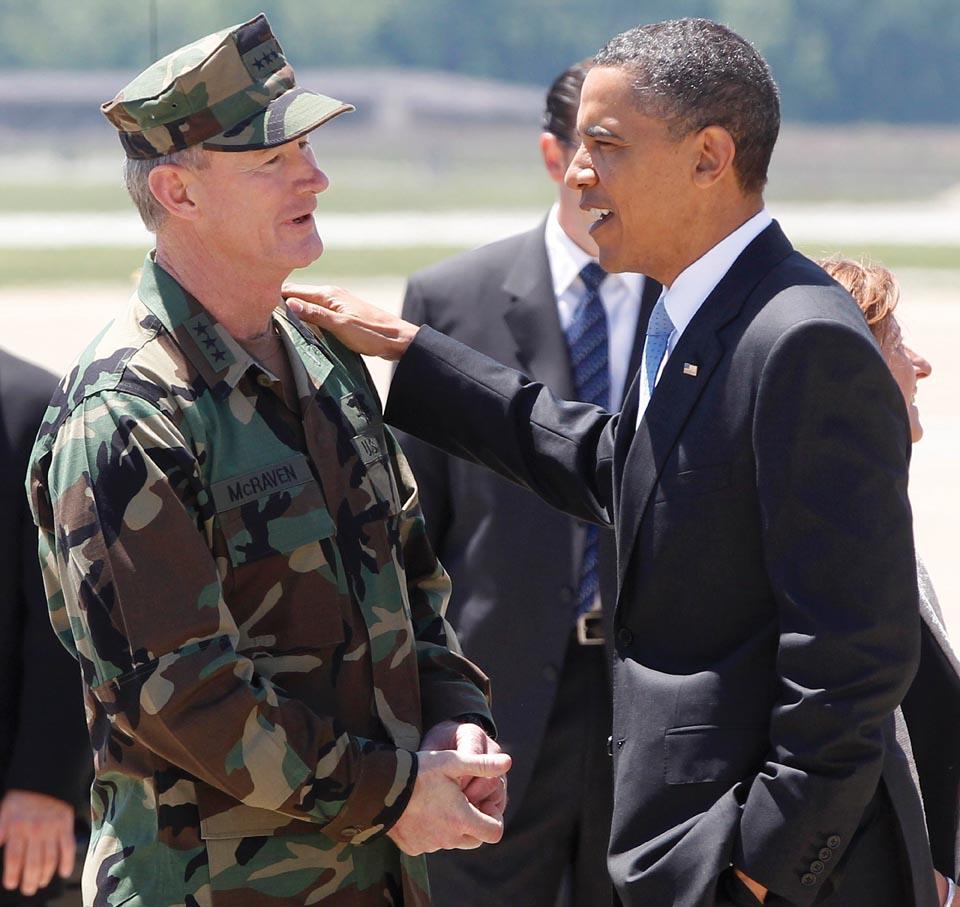 شکارچی بن لادن: ترامپ بزرگ ترین تهدید برای دموکراسی آمریکاست