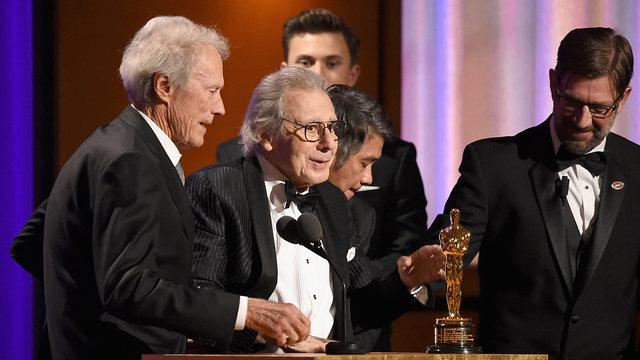 اعطاء جوایز اسکار افتخاری