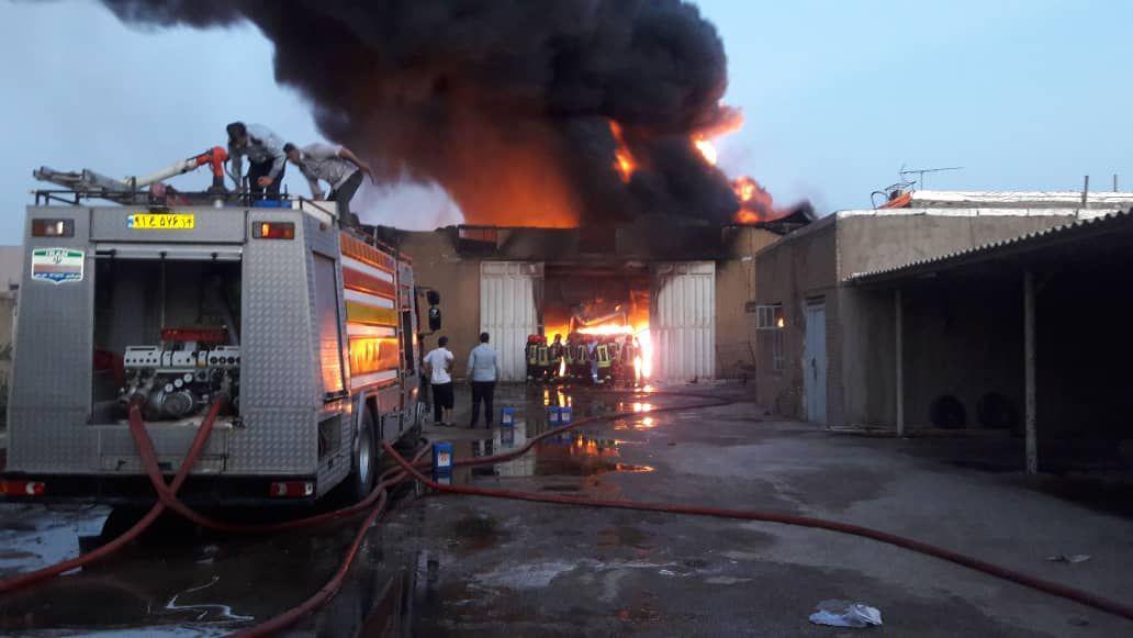 انفجار انبار روغن و گازوئیل در اهواز (+عکس و فیلم)