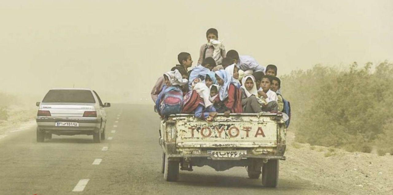 سرویس مدرسه خطرناک دانشآموزان در سیستان و بلوچستان (عکس)