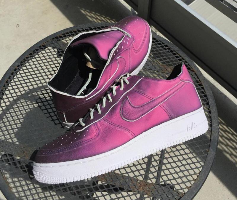 کفشی که با تغییر دما رنگ عوض میکند (+عکس)