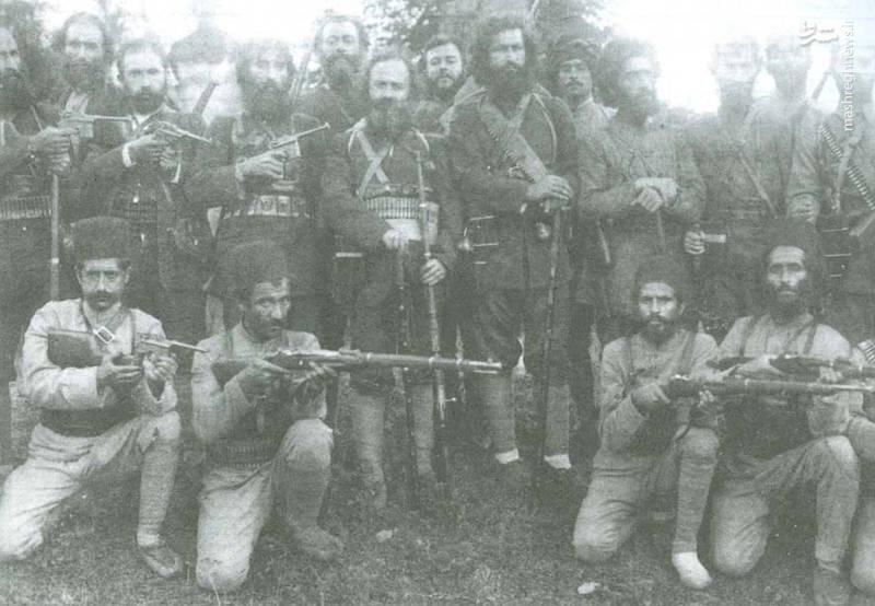 سردار جنگل و سربازانش (عکس)