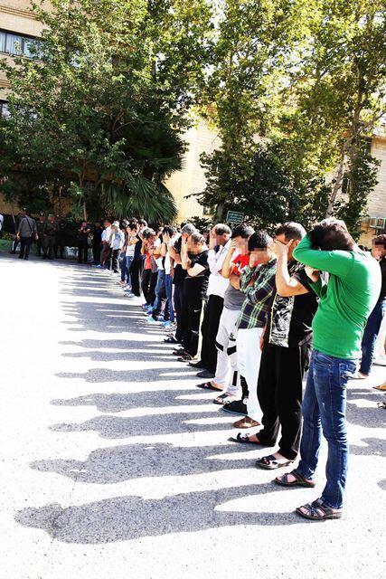 دستگیری باند 31 نفره سارقان لاستیک های خودرو / سارقان به 500فقره سرقت اعتراف کردند (+عکس)