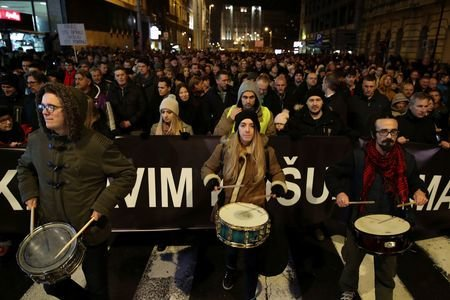 تظاهرات هزاران نفری در صربستان علیه رئیس جمهور