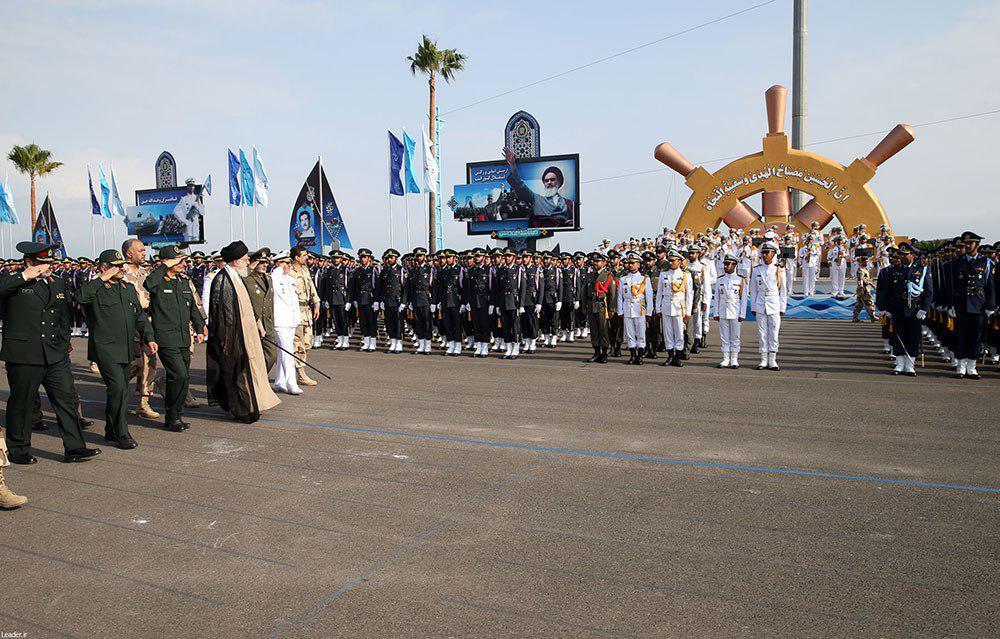 دانشگاه های افسری ارتش جمهوری اسلامی ایران استخدام میکنند