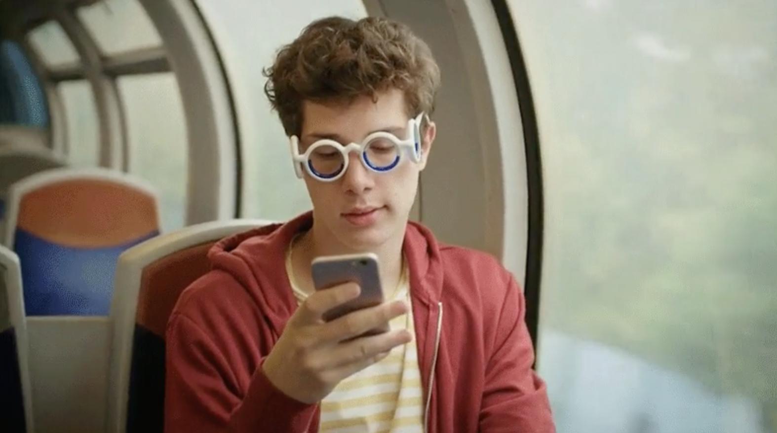 عینکهای جدید سیتروئن، حالت تهوع ناشی از سفر را از بین میبرند