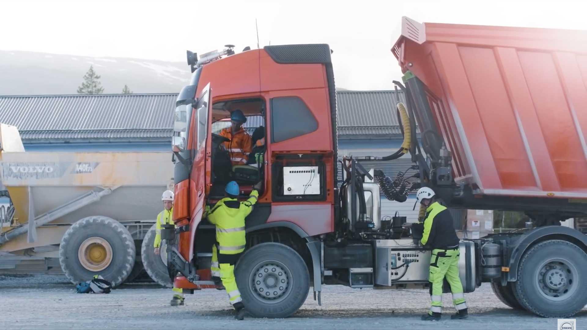 کامیون های خودران ولوو در معدن سنگ آهک نروژ