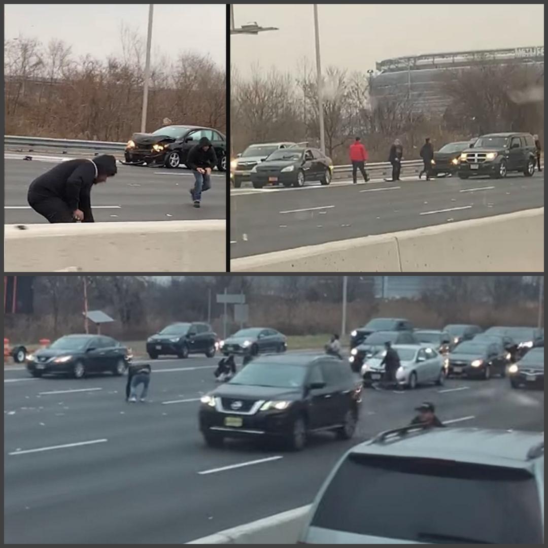 ماشین حمل پول در آمریکا 300 هزار دلار را کف جاده ریخت (+عکس)