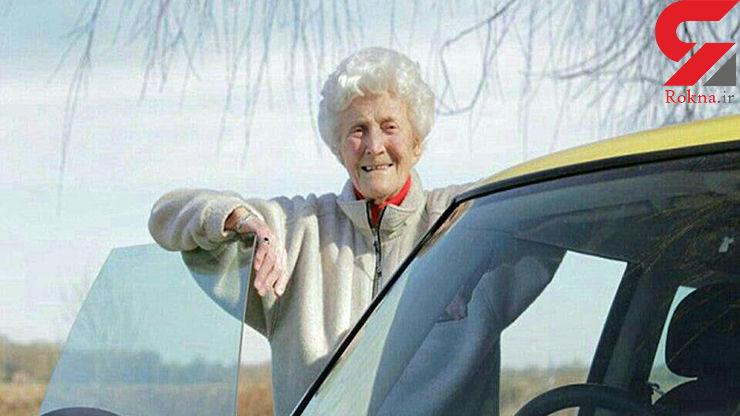 زنی پس از 88 بار رد شدن، بالاخره گواهینامه اش را گرفت (+عکس)