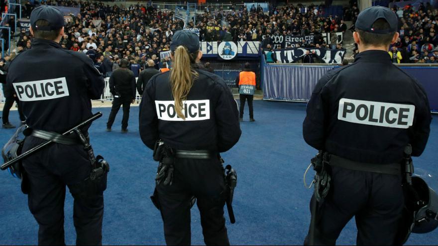 درخواست پلیس فرانسه برای اعتصاب سراسری