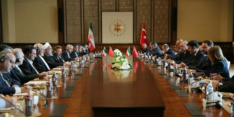 ظریف: ایران و ترکیه به همکاری با یکدیگر متعهدند