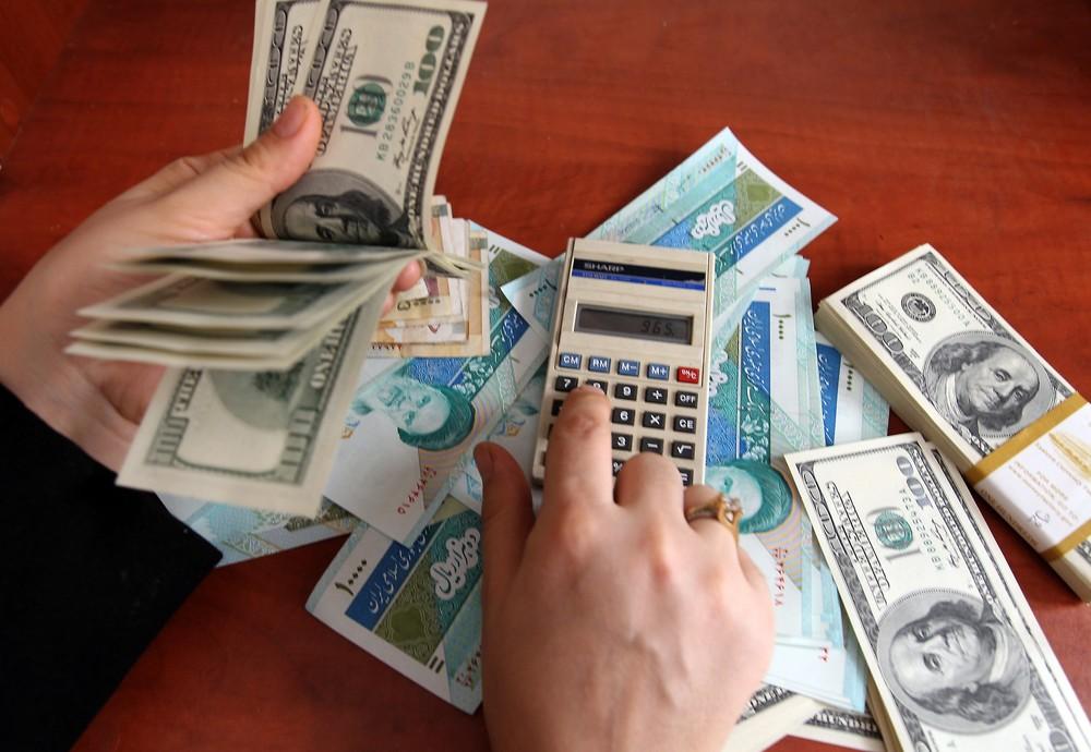 دلار پایین آمد اما چرا قیمتها بالا ماندهاند؟