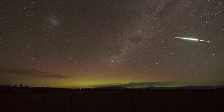 عکاس آماتور از شهاب سنگ سبز رنگ عکس گرفت(+ عکس)