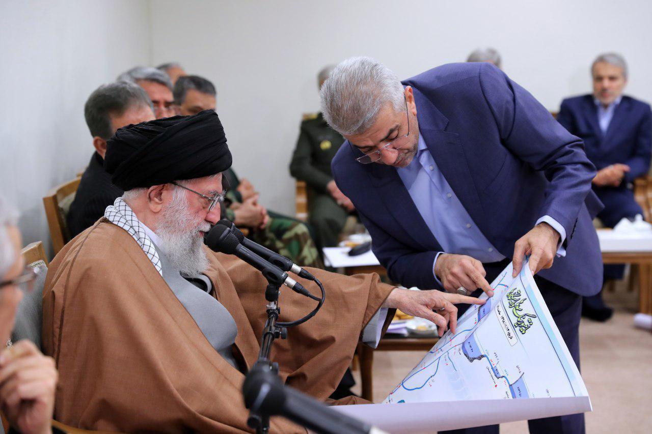 گفتوگوی رهبر انقلاب با وزیر نیرو درباره سدهای استان خوزستان/ عکس