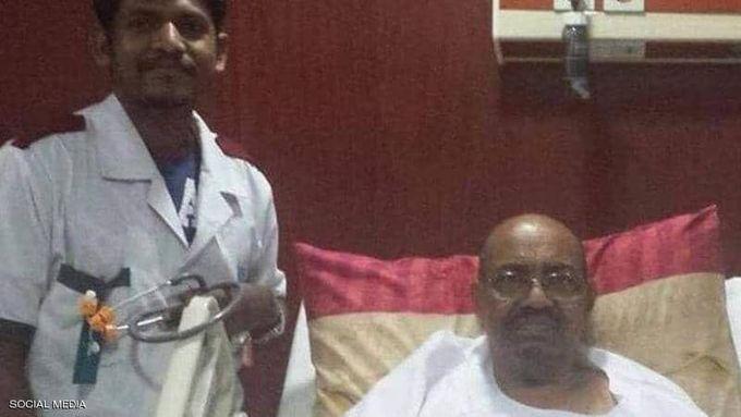 اولین تصویر از عبدالبشیر پس از سرنگونی حکومت سودان