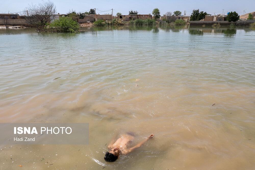 کودکان سیلزده حمیدیه خوزستان (عکس)