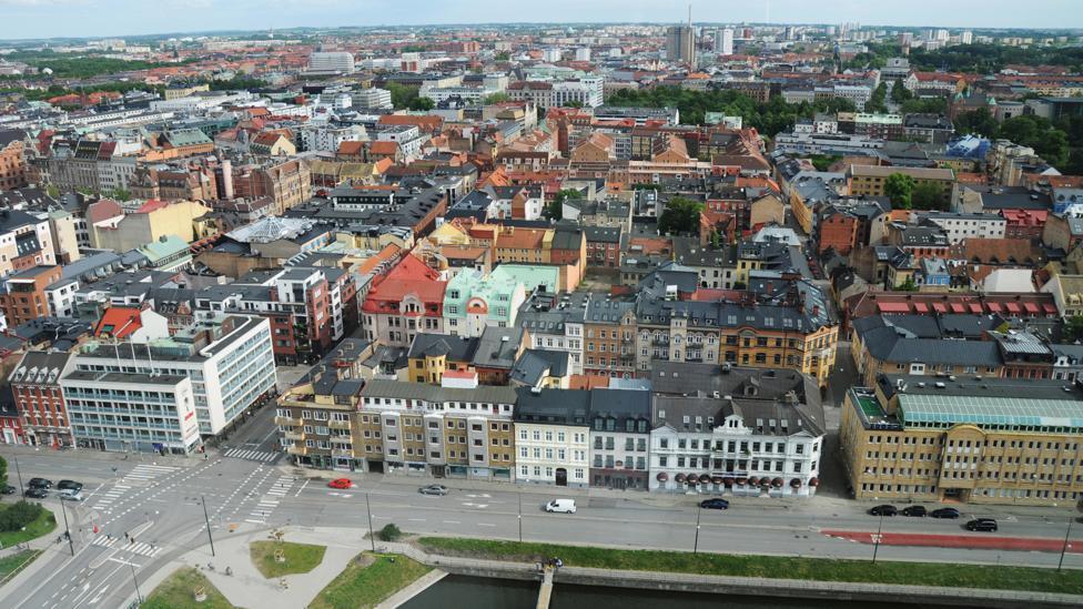 جوانان سوئد تنها زندگی می کنند
