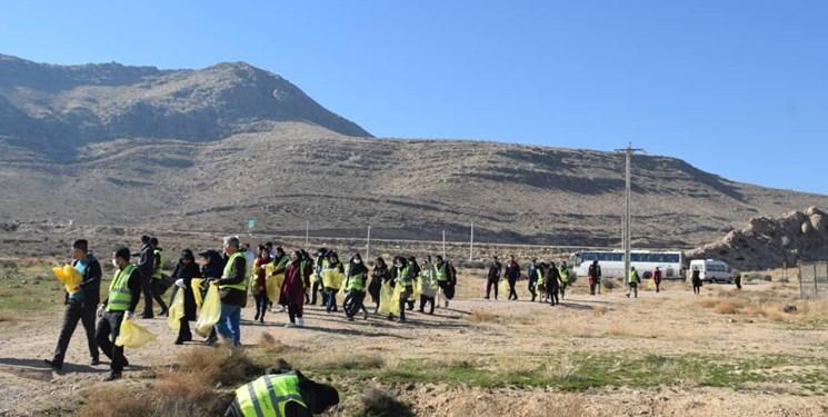 جمعآوری زبالههای تجزیهناپذیر از دریاچه مهارلو