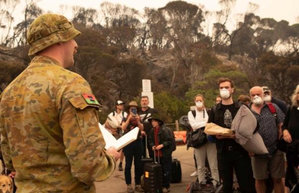 آتش، صنعت گردشگری استرالیا را سوزاند/ رسانهها خطاب به مردم: به استرالیا نیایید