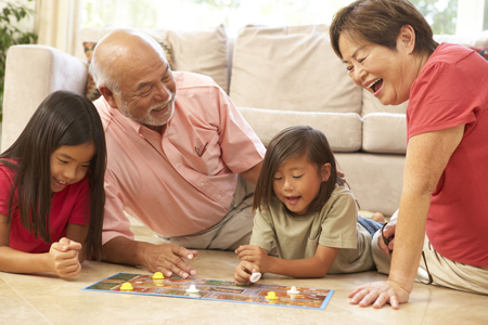 وابستگی کودکان به پدربزرگ و مادربزرگ خوب است یا نه؟