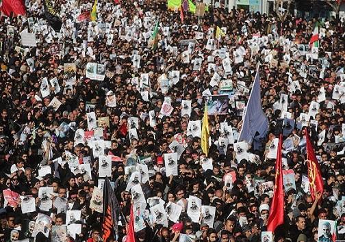 بر اثر ازدحام جمعیت تعدادی از تشییع کنندگان در کرمان جان باختند