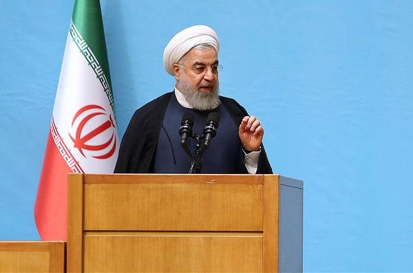 روحاني: در داستان سقوط هواپيماي اوكرايني فقط يك فرد نميتواند مقصر باشد/ مسأله با صداقت براي مردم بيان شود