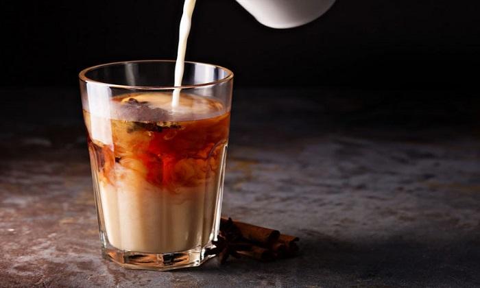 ترکیب چای و شیر؛ مزایا و معایب بالقوه