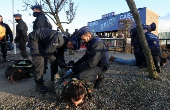 بازداشت  معترضان در بروکسل