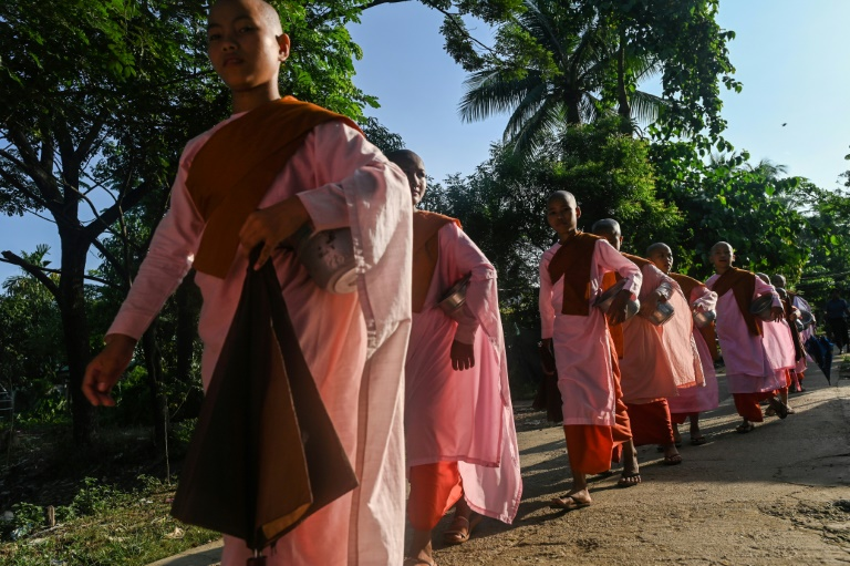 کودکان راهبه میانمار