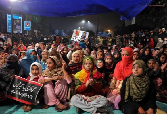زنان هندی در اعتراض صلح آمیز