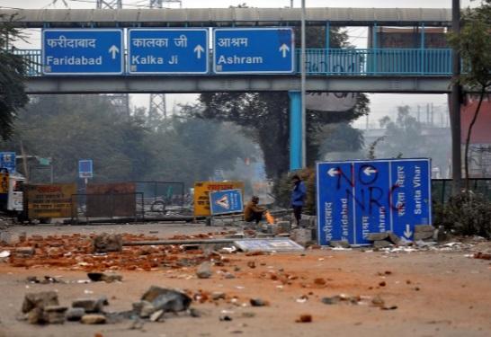 معترضان هندی خیابانها را بستند