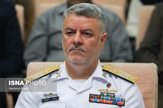فرمانده نیروی دریایی ارتش: آمریکاییها هر چند وقت یک بار تعدادی کوتوله را دور خود راه میاندازند و میگویند ما داریم رزمایش میگذاریم