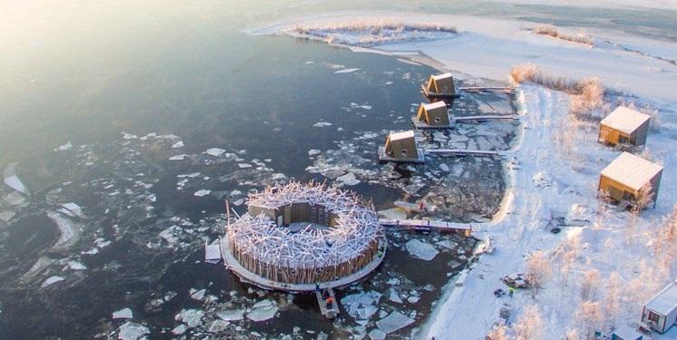 هتل شناور یخی