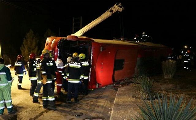 ۳ کشته و ۲۱ مصدوم در حادثه واژگونی اتوبوس در زنجان