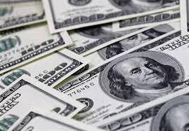 نرخ خرید دلار ثابت ماند، نرخ فروش کم شد