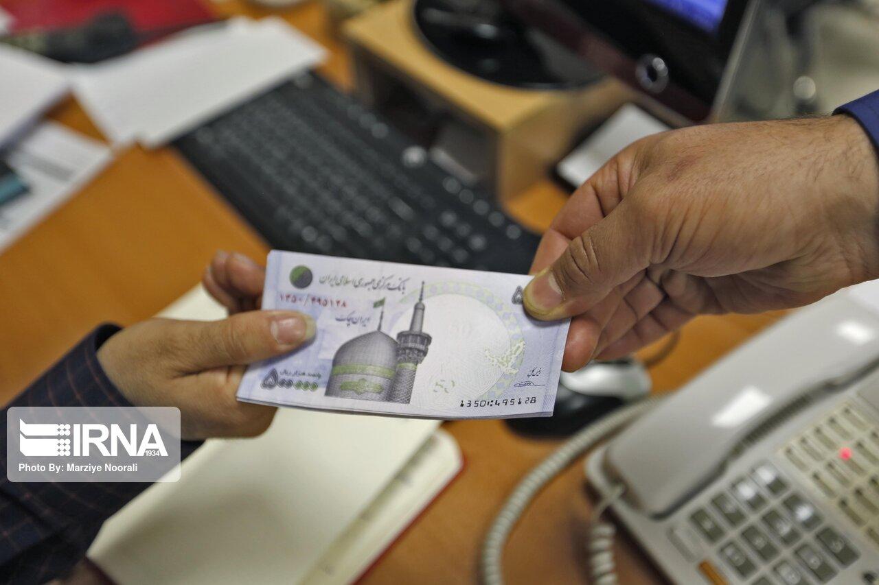 پاداش آخر سال با حقوق بهمن واریز میشود