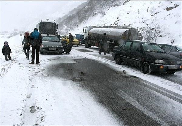 هلال احمر: راهنمایی و رانندگی مقصر تاخیر در امداد رسانی جادههای شمال بود