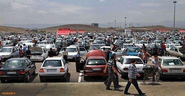 مالیات، دلالان خودرو را فراری داد/ خودرو ارزان می شود؟