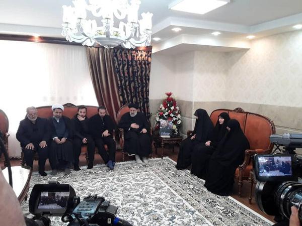 دیدار رییس قوه قضاییه با خانواده سردار شهید سلیمانی در کرمان