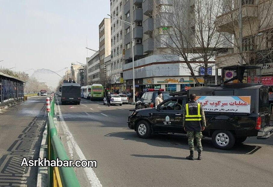 عملیات خودروهای آبپاش یگان ویژه ناجا برای ضدعفونی شهرها (عکس)
