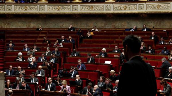 شیوع کرونا در پارلمان فرانسه