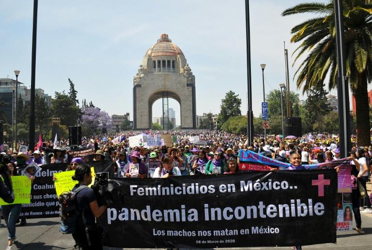 تظاهرات روز جهانی زن در مکزیک
