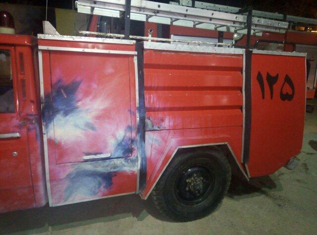 حمله با نارنجک دستی به خودروهای آتشنشانی در خراسان رضوی (+عکس)