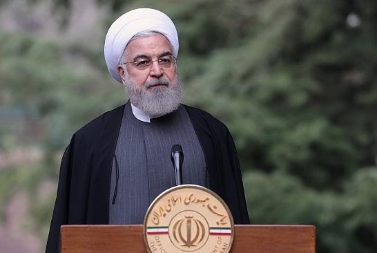 روحانی: در لندن و پاریس، قفسۀ فروشگاه ها خالی شد ولی در تهران، نه / سلامت مردم ، واجب است و زیارت، مستحب