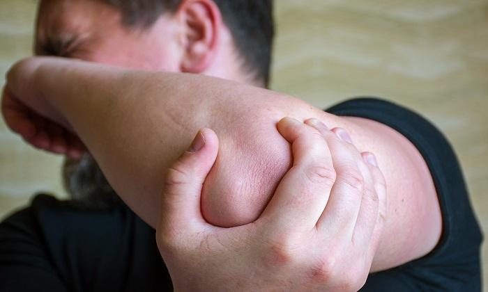 آرتریت سوریاتیک و 5 روش تسکین علائم آن
