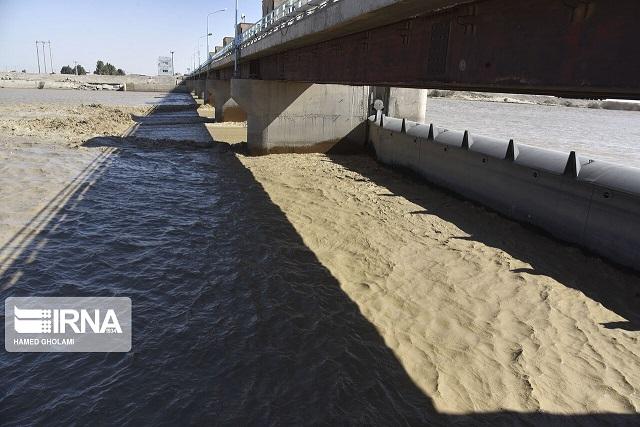 سیلاب، برق ۳۷روستا و آب ۲۳ روستای لرستان را قطع کرد